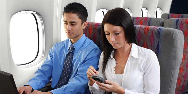 FLYING-WITH-SMARTPHONE