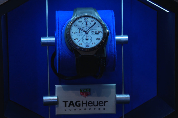 151109-tag-heuer-smartwatch